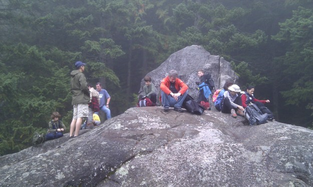 A brief rest and then back into the mist-shrouded Jurassic Park-like forest and the grinding trail upwards.